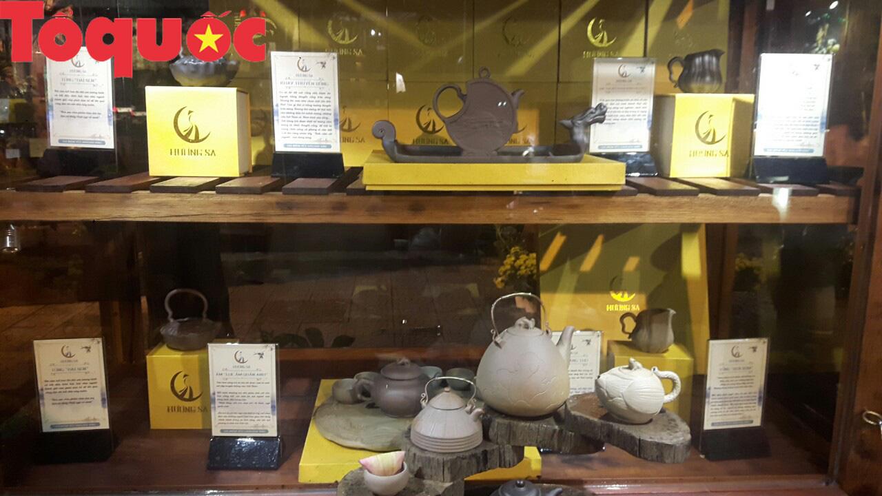 Lần đầu tiên ra mắt dòng gốm kết tinh 2 vùng văn hóa Hà Nội - Huế - Ảnh 3.