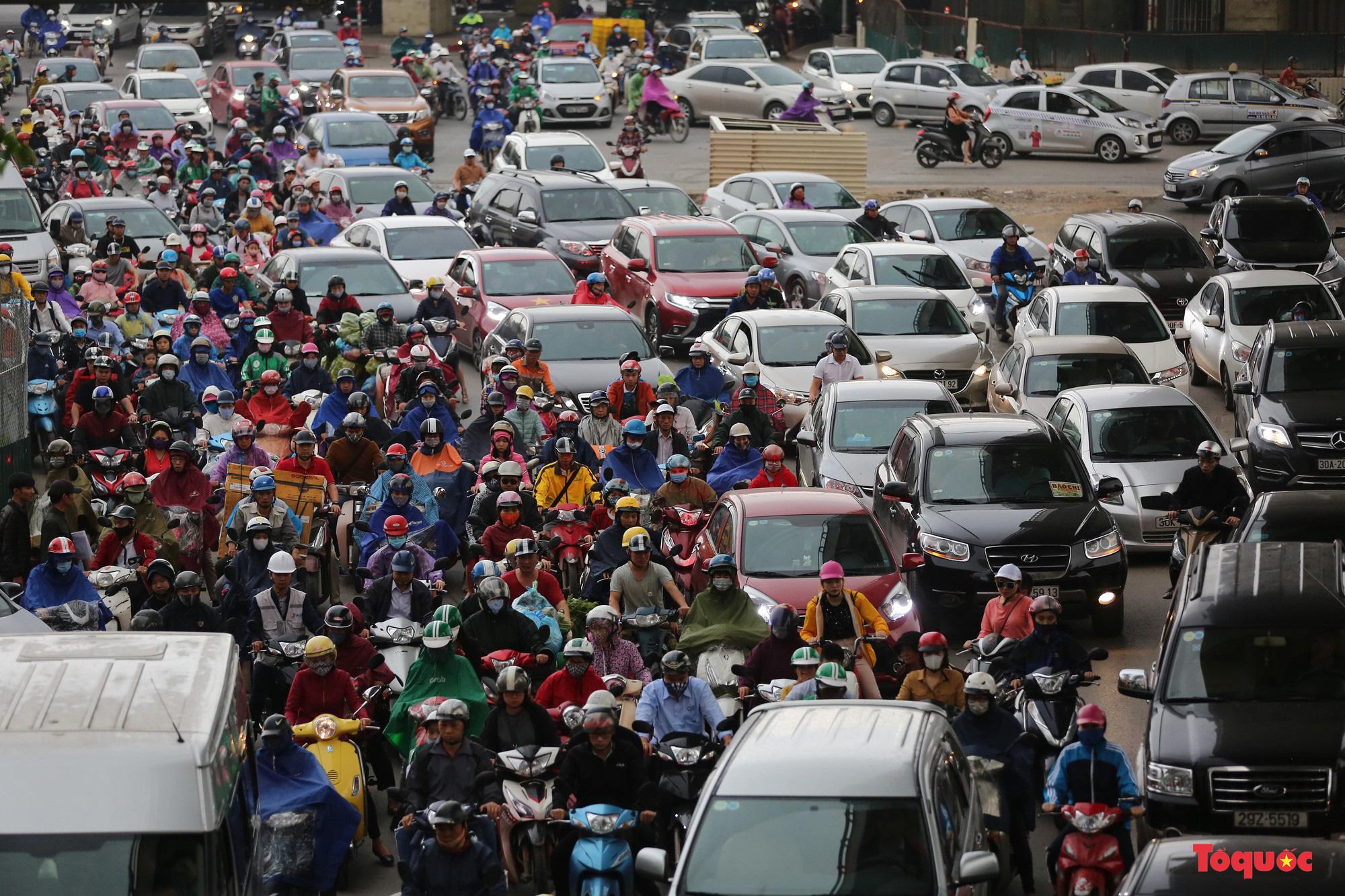 TS Lương Hoài Nam: Không nên bi kịch hóa đời sống đô thị không có xe máy - Ảnh 5.