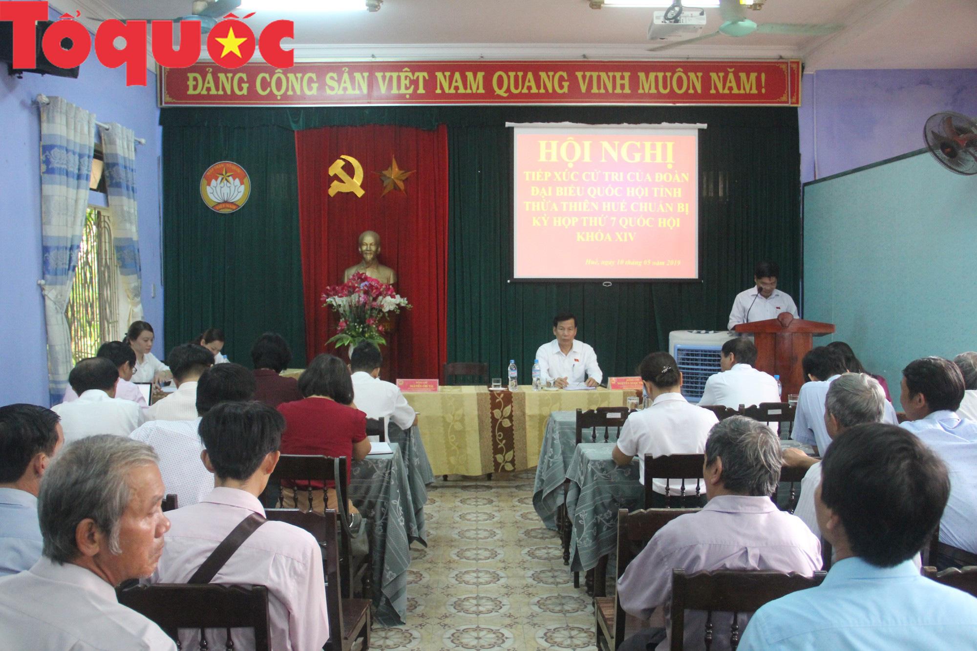 Bộ trưởng Nguyễn Ngọc Thiện tiếp xúc cử tri Thừa Thiên Huế - Ảnh 2.