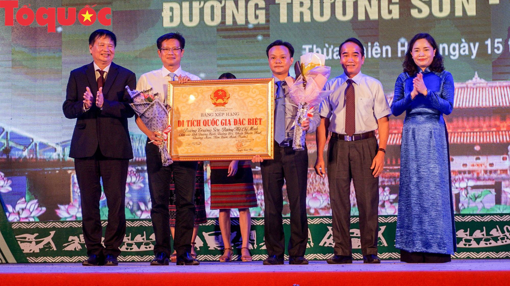Thừa Thiên Huế đón nhận bằng xếp hạng Di tích Quốc gia đặc biệt Đường Trường Sơn - Đường Hồ Chí Minh - Ảnh 1.