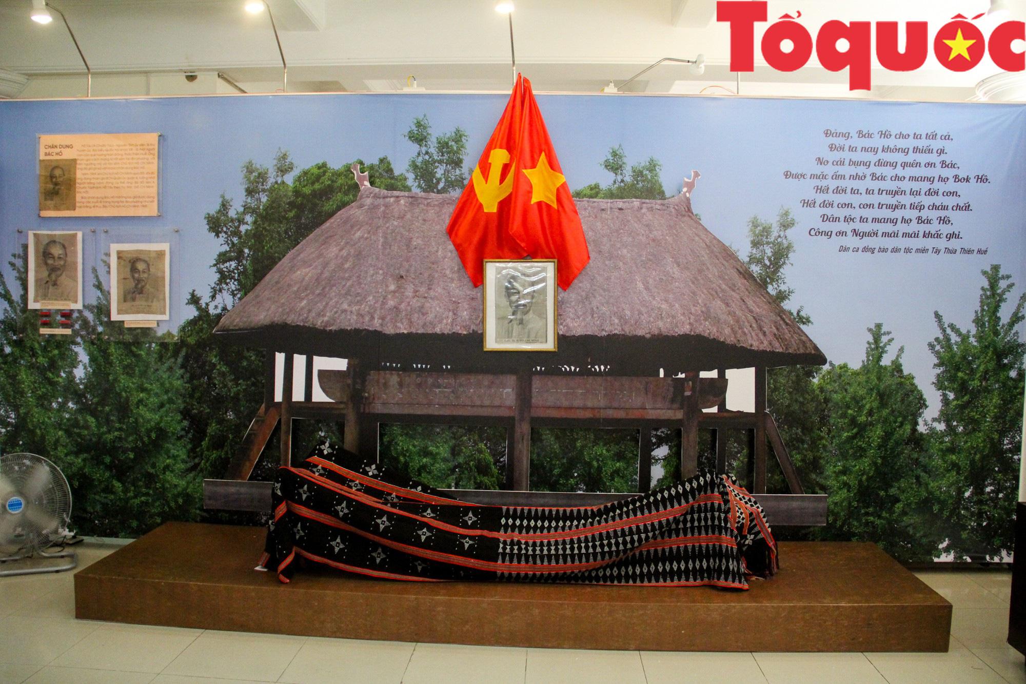 Triển lãm 250 hình ảnh, hiện vật Họ Hồ ở miền Tây Thừa Thiên Huế - Ảnh 1.