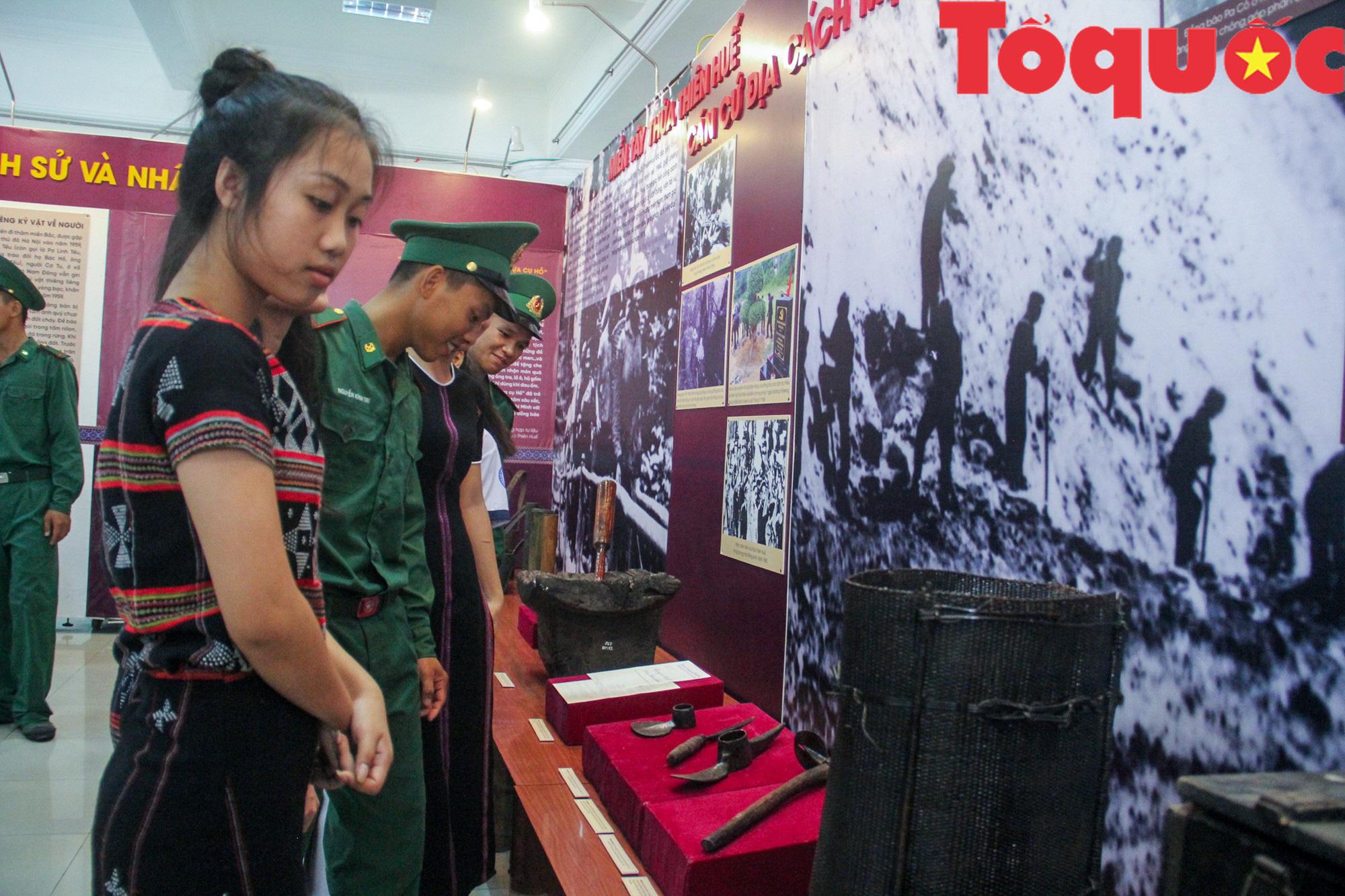 Triển lãm 250 hình ảnh, hiện vật Họ Hồ ở miền Tây Thừa Thiên Huế - Ảnh 2.
