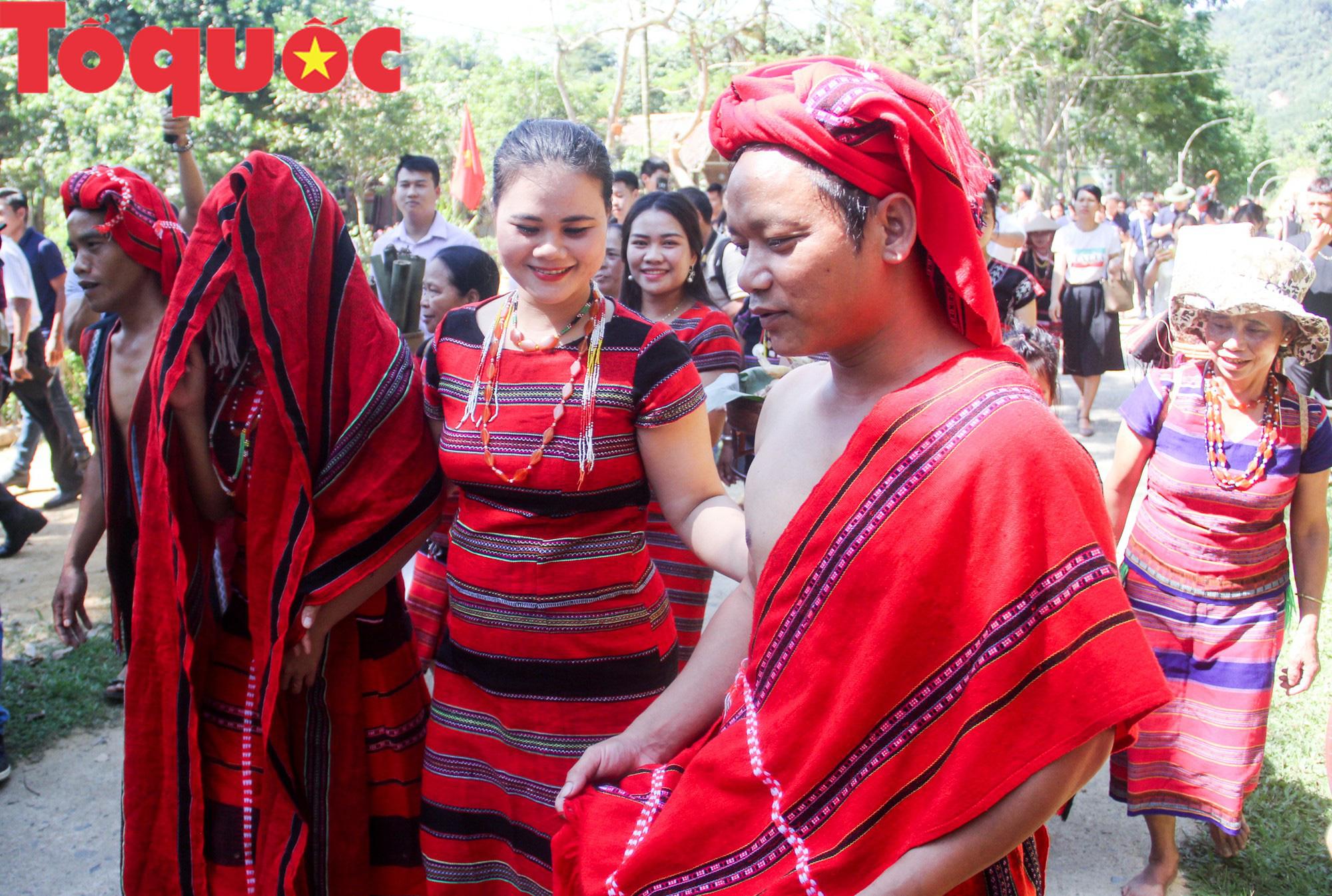 Tinh hoa văn hóa các dân tộc biên giới Việt Nam - Lào hội tụ về trên vùng cao A Lưới - Ảnh 10.