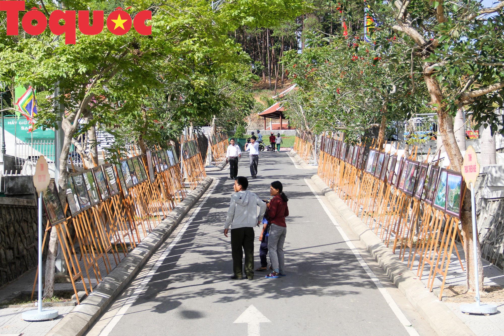 Tinh hoa văn hóa các dân tộc biên giới Việt Nam - Lào hội tụ về trên vùng cao A Lưới - Ảnh 9.