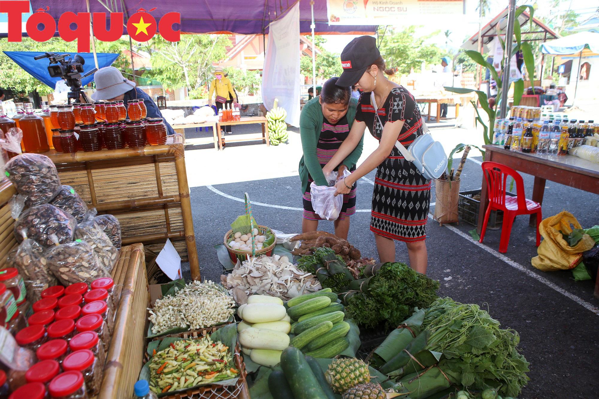 Tinh hoa văn hóa các dân tộc biên giới Việt Nam - Lào hội tụ về trên vùng cao A Lưới - Ảnh 5.