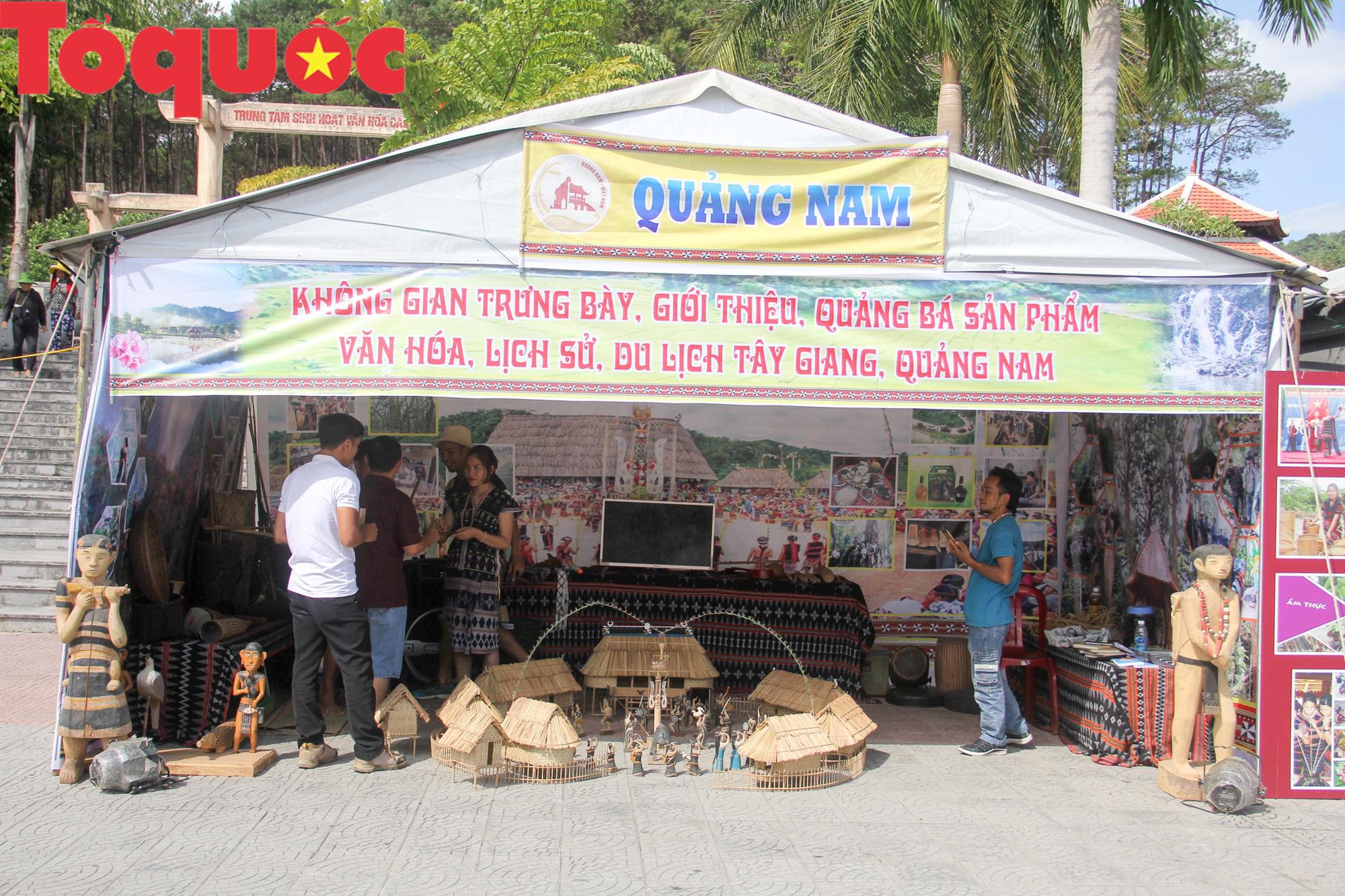 Tinh hoa văn hóa các dân tộc biên giới Việt Nam - Lào hội tụ về trên vùng cao A Lưới - Ảnh 3.