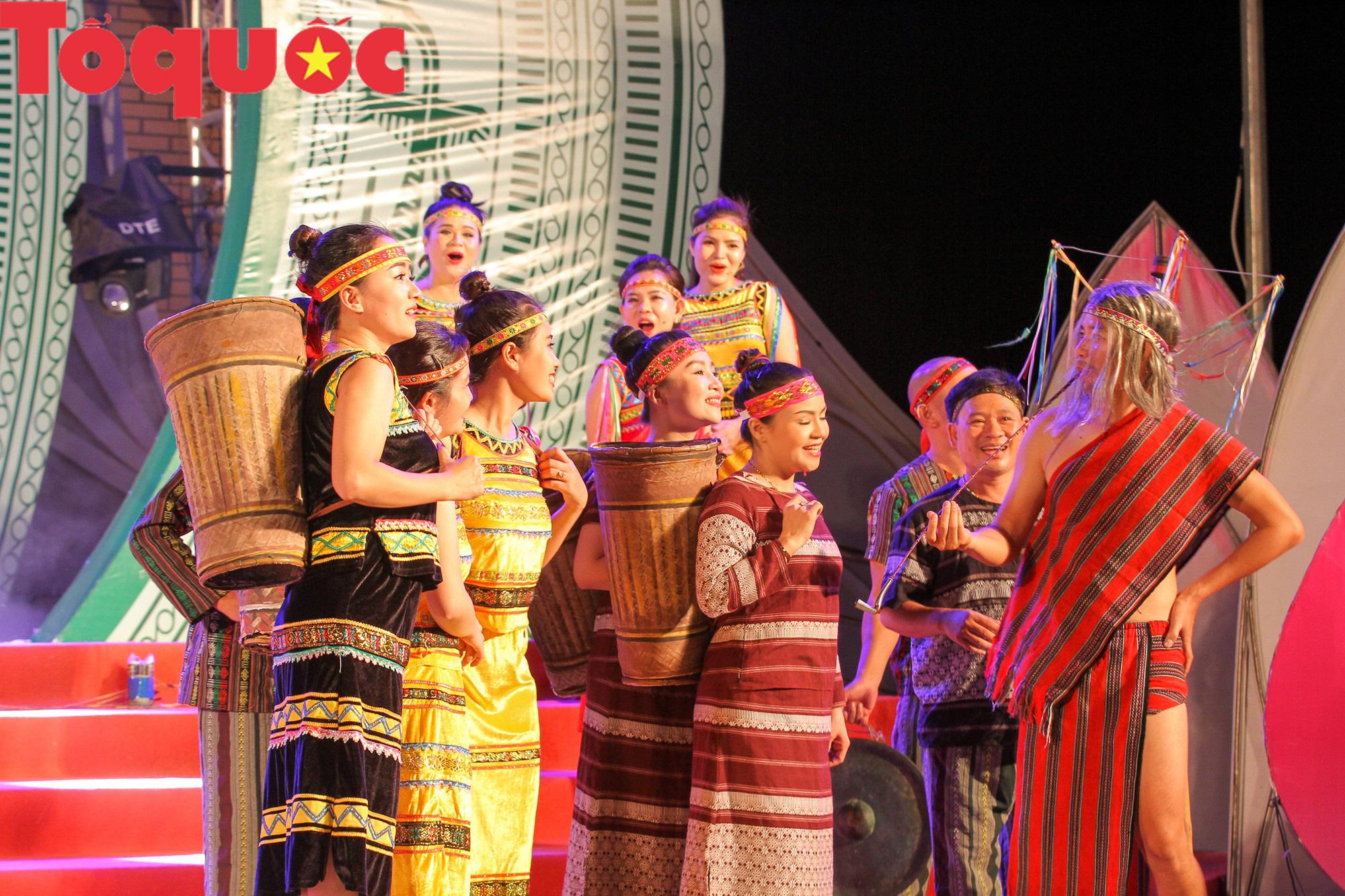 Khai mạc Ngày hội giao lưu văn hóa, thể thao, du lịch các dân tộc biên giới Việt Nam - Lào - Ảnh 8.
