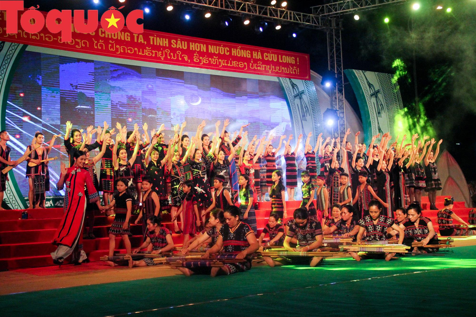 Khai mạc Ngày hội giao lưu văn hóa, thể thao, du lịch các dân tộc biên giới Việt Nam - Lào - Ảnh 9.