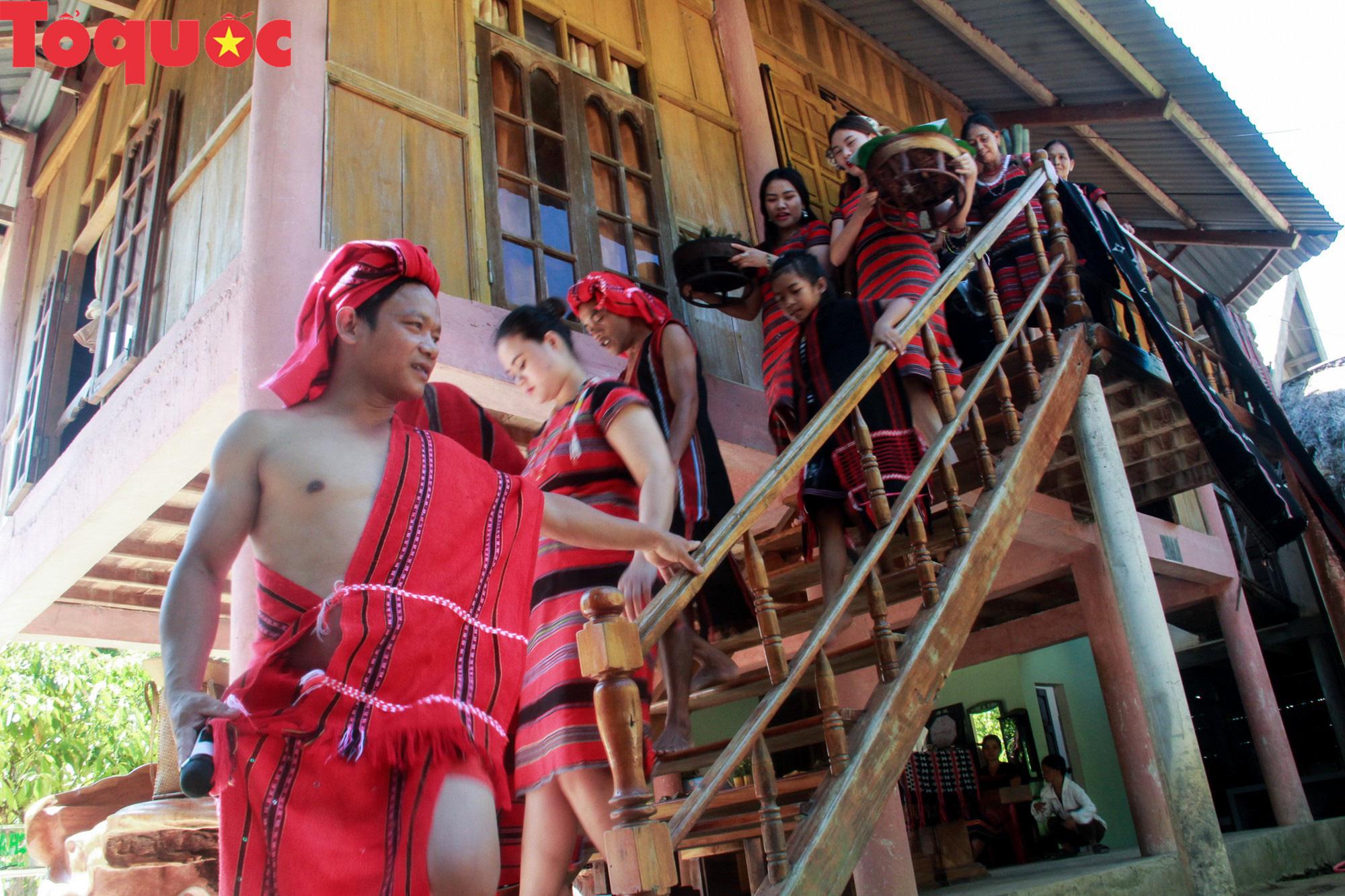 Độc đáo lễ cưới của người Pa Cô - Ảnh 5.