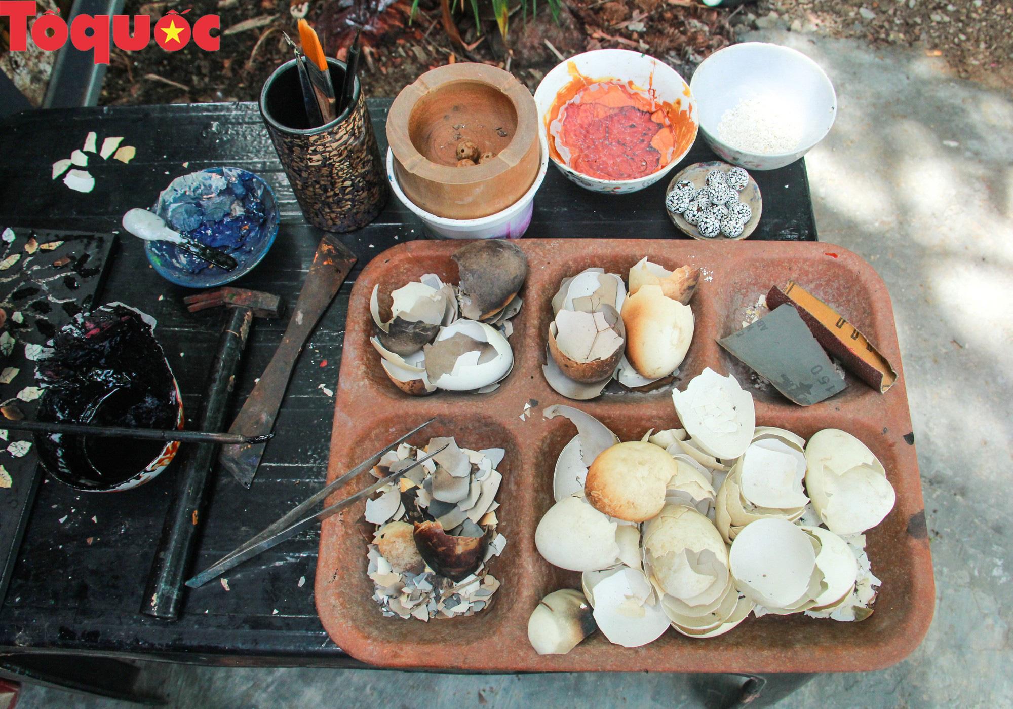 Khách Tây mê mẩn đồ dùng Việt được thổi hồn từ vỏ trứng - Ảnh 3.