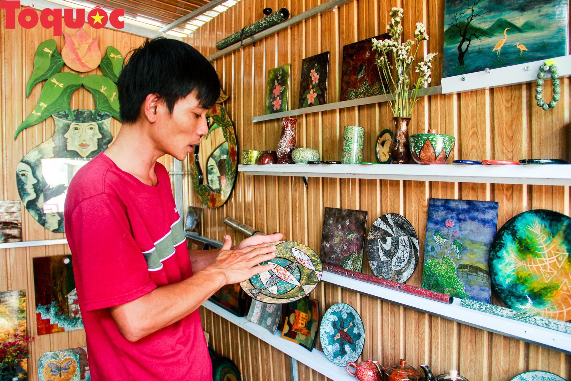 Khách Tây mê mẩn đồ dùng Việt được thổi hồn từ vỏ trứng - Ảnh 8.
