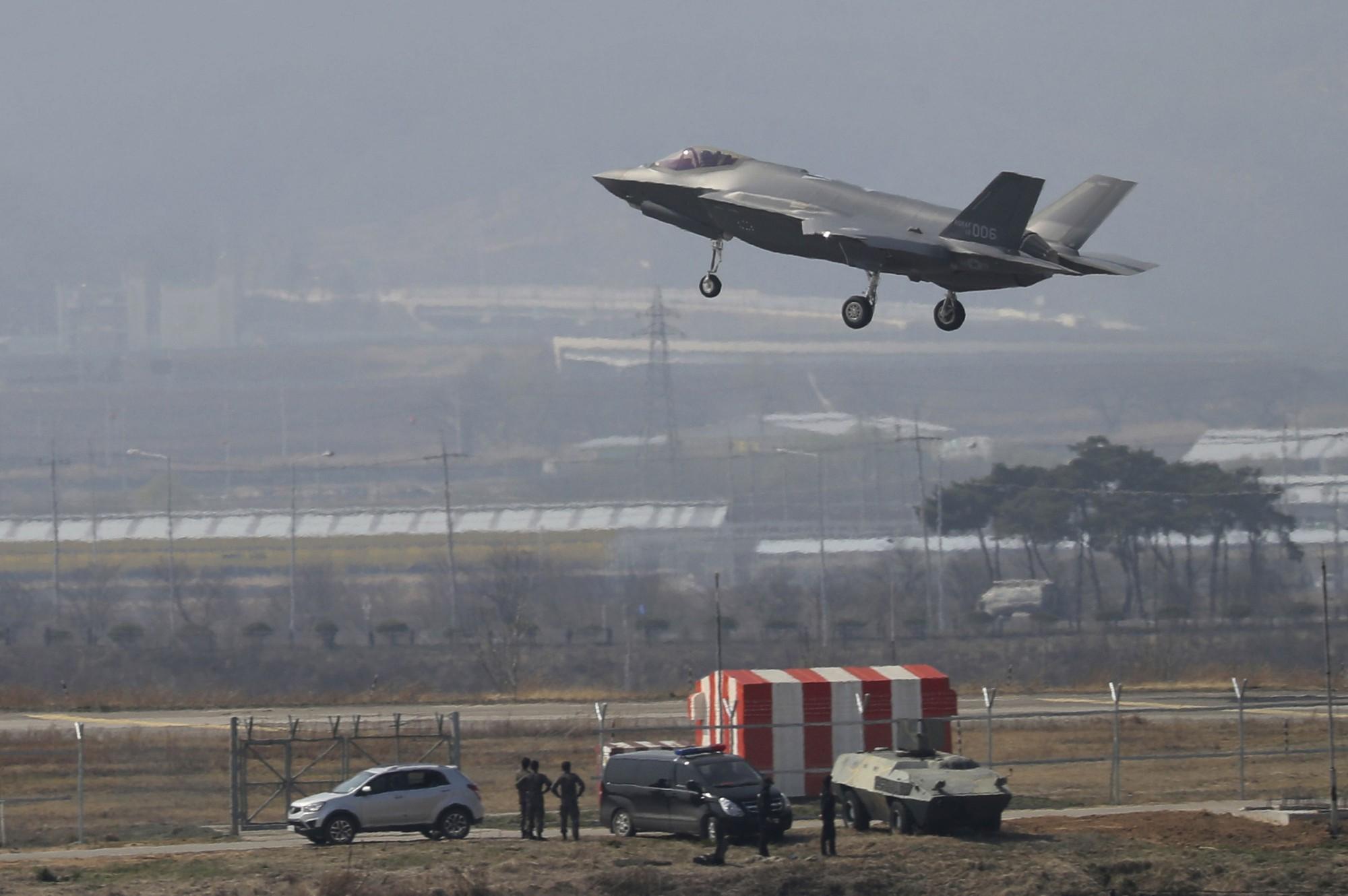 Tiem kich F-35 My tai Han Quoc AP