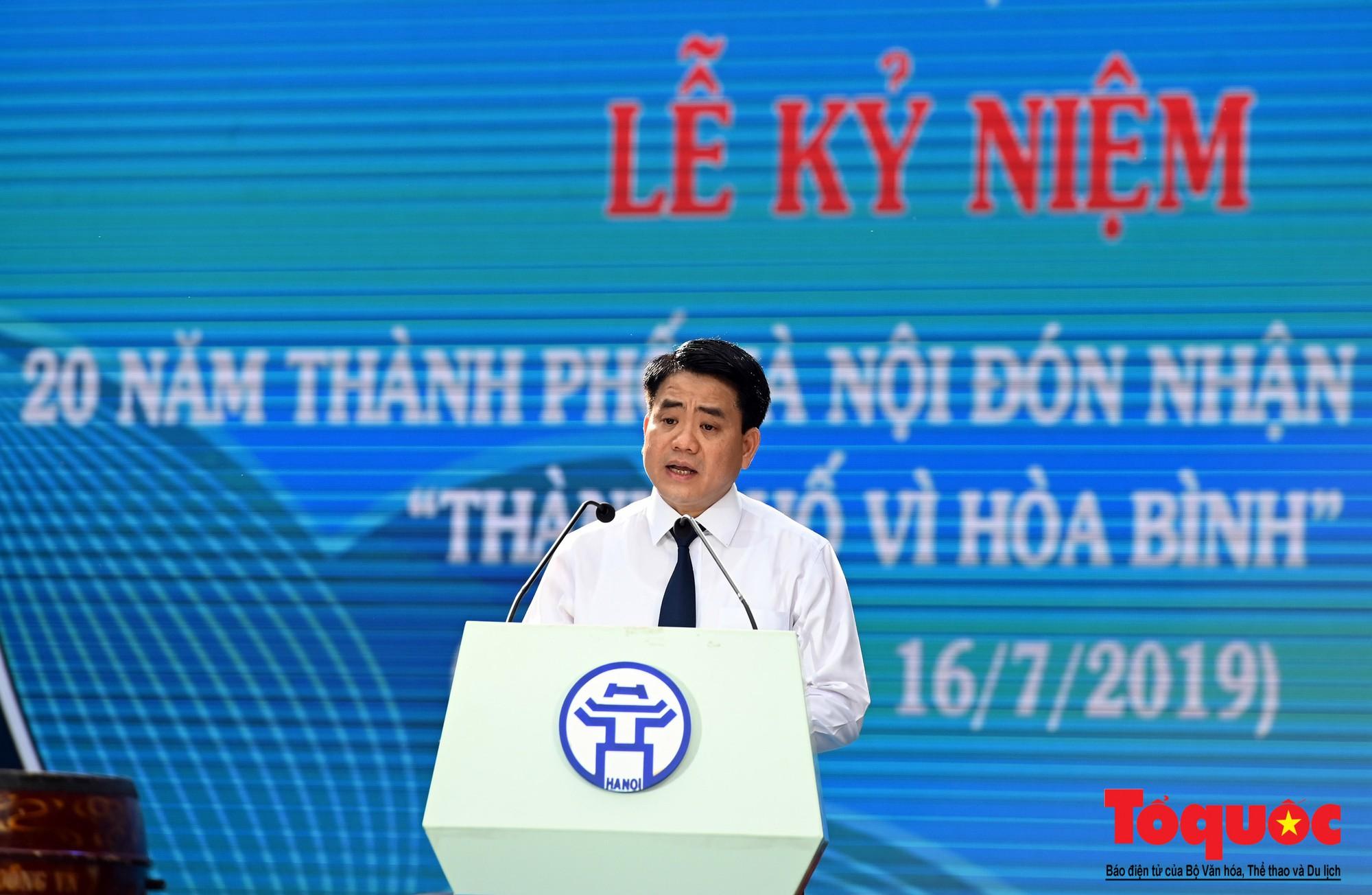 """Lễ kỷ niệm 20 năm thành phố Hà Nội đón nhận danh hiệu """"Thành phố Vì hòa bình"""" (1)"""