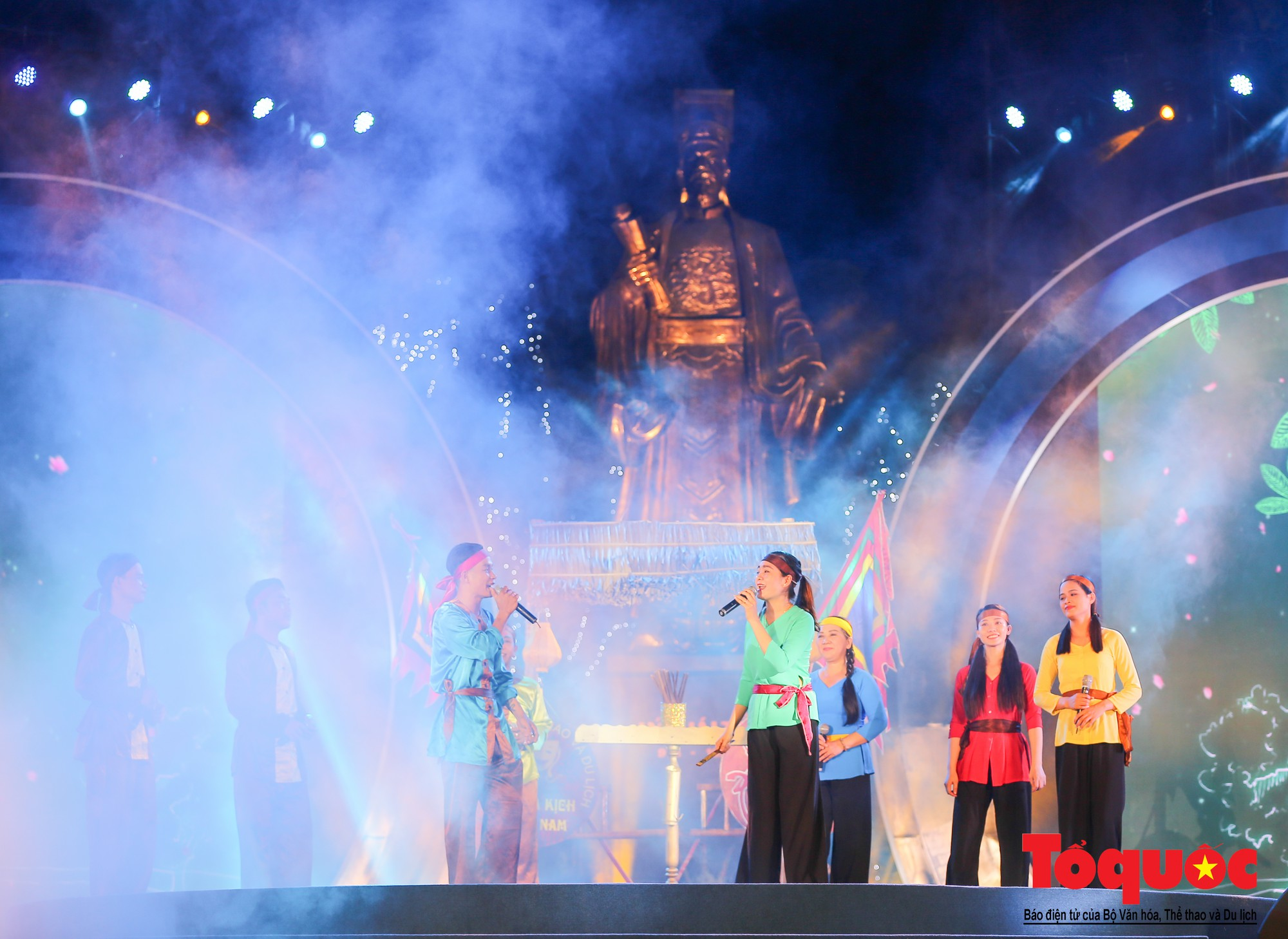 """Ấn tượng chương trình nghệ thuật kỷ niệm 20 năm Hà Nội - """"Thành phố Vì hòa bình"""" - Ảnh 16."""