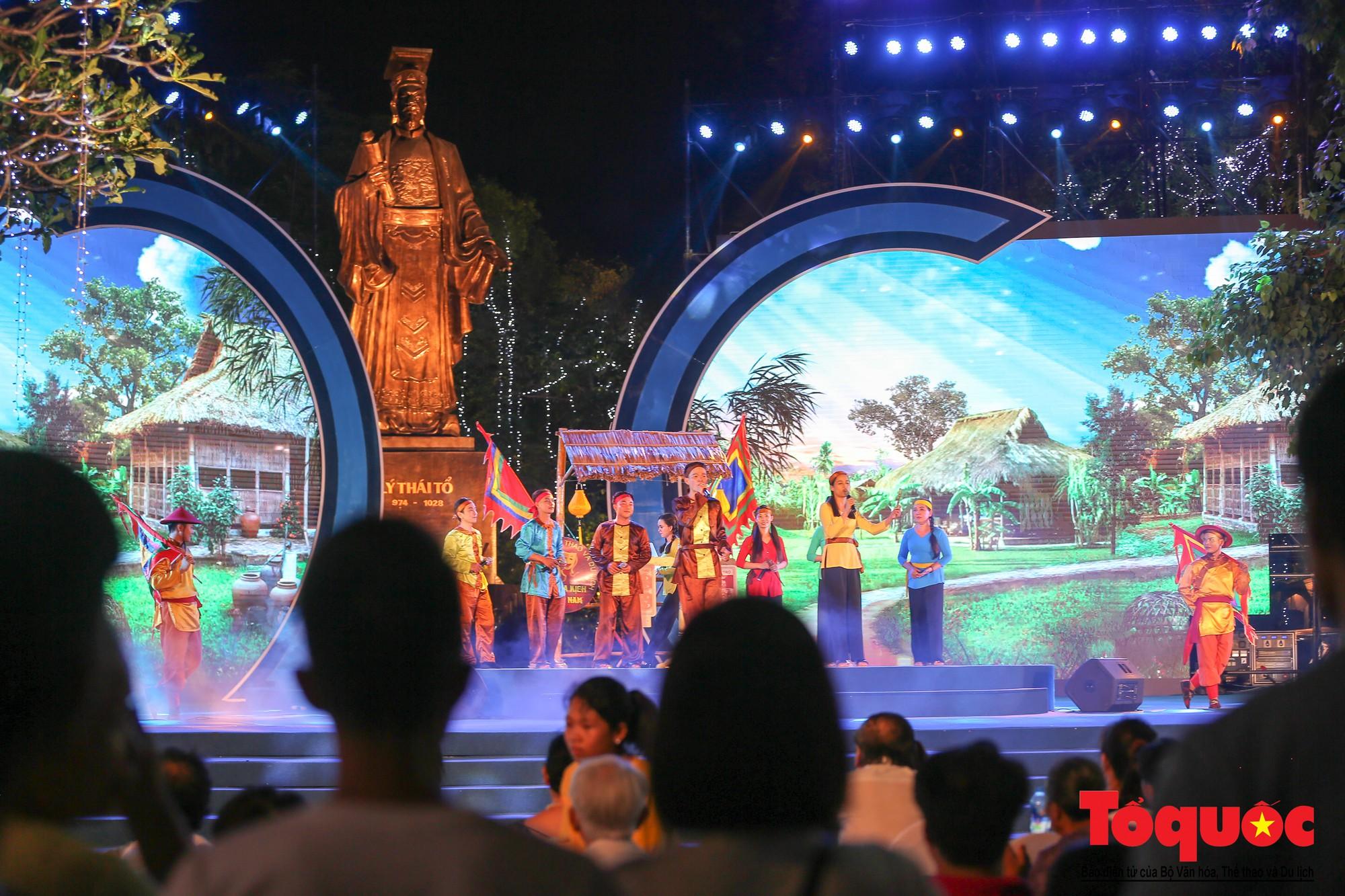 """Ấn tượng chương trình nghệ thuật kỷ niệm 20 năm Hà Nội - """"Thành phố Vì hòa bình"""" - Ảnh 11."""