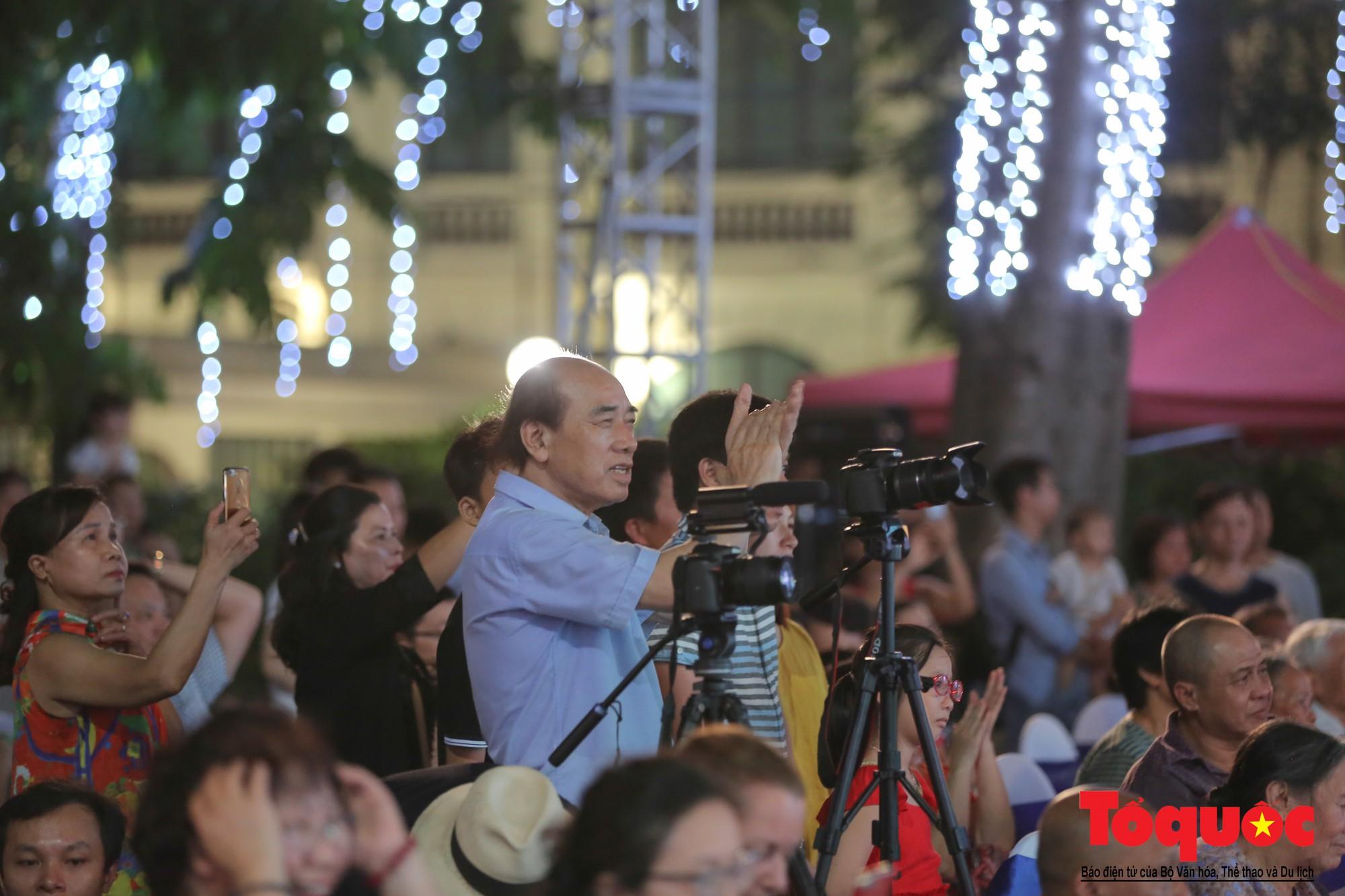 """Ấn tượng chương trình nghệ thuật kỷ niệm 20 năm Hà Nội - """"Thành phố Vì hòa bình"""" - Ảnh 17."""