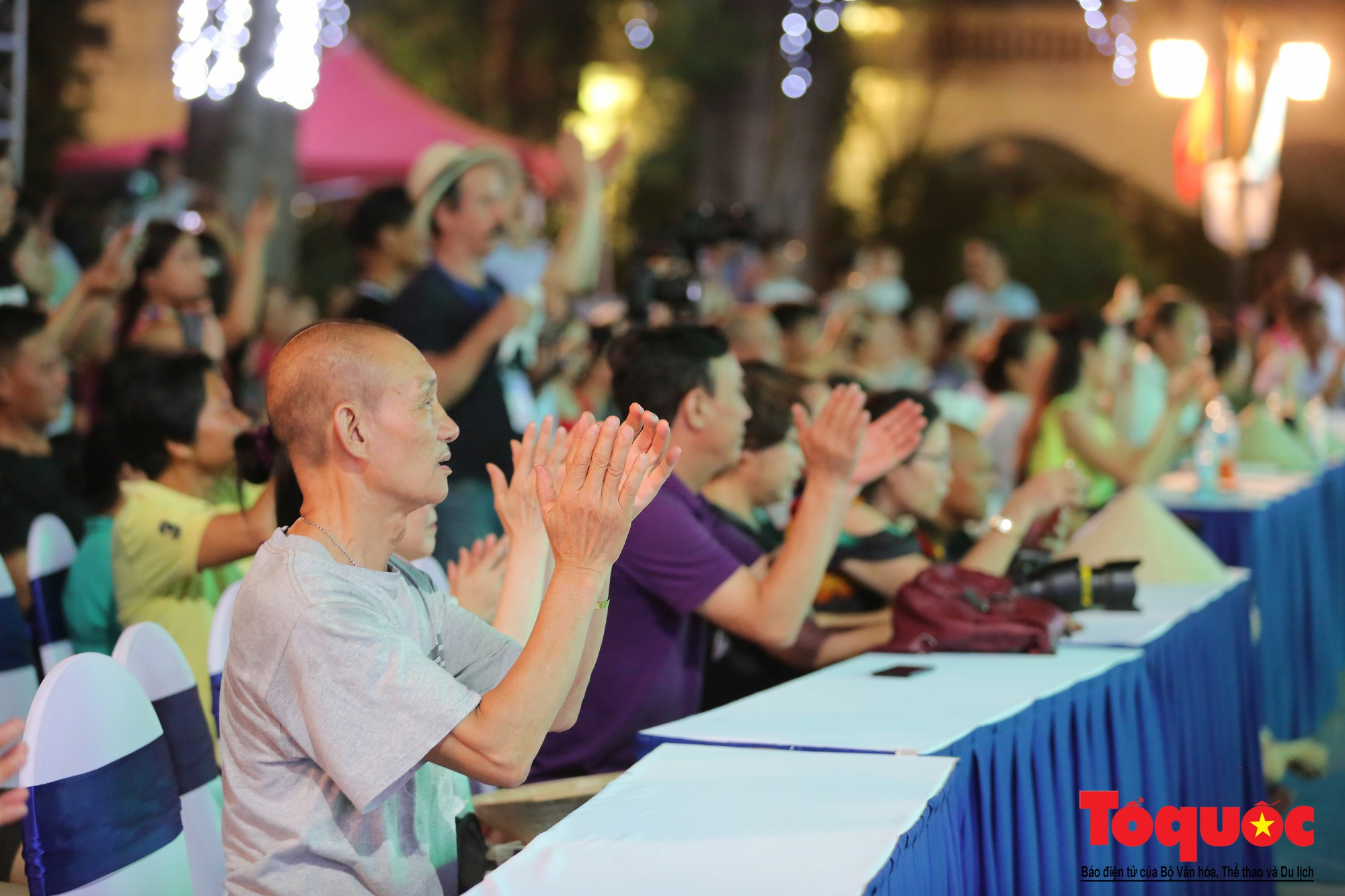 """Ấn tượng chương trình nghệ thuật kỷ niệm 20 năm Hà Nội - """"Thành phố Vì hòa bình"""" - Ảnh 14."""