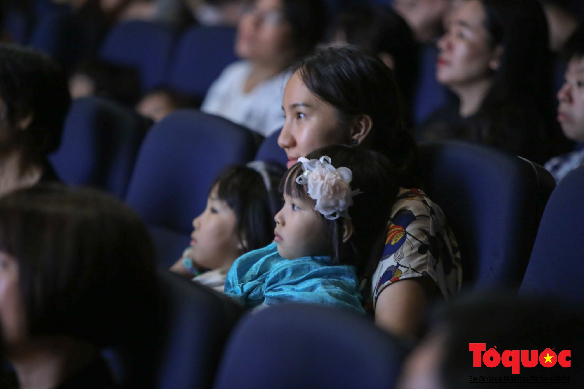 Dàn nhạc giao hưởng nhí đầu tiên của Việt Nam biểu diễn gây quỹ từ thiện (6)