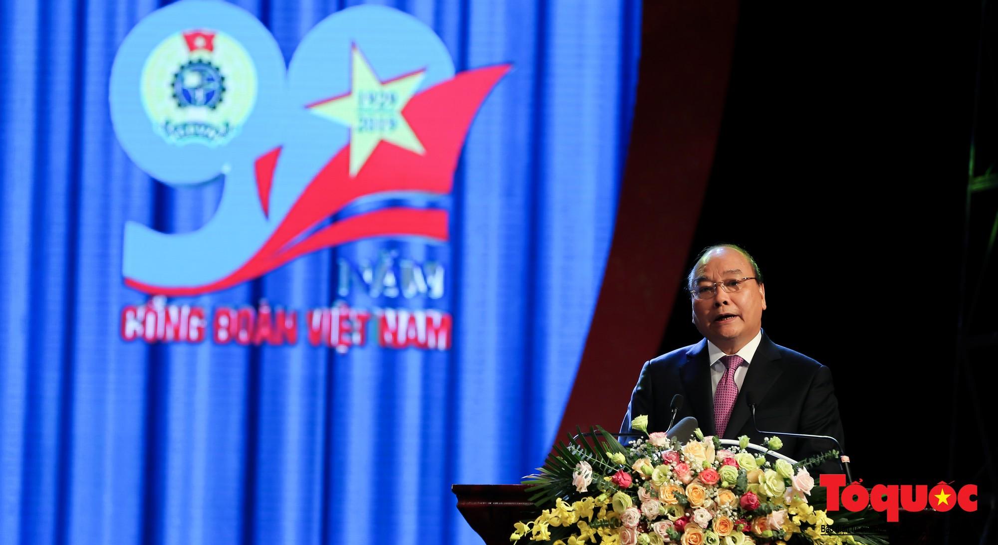 Long trọng Lễ kỷ niệm 90 năm Ngày thành lập Công đoàn Việt Nam (12)