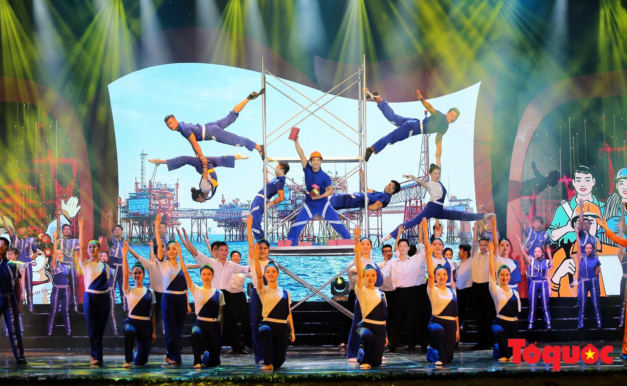 Long trọng Lễ kỷ niệm 90 năm Ngày thành lập Công đoàn Việt Nam (4)