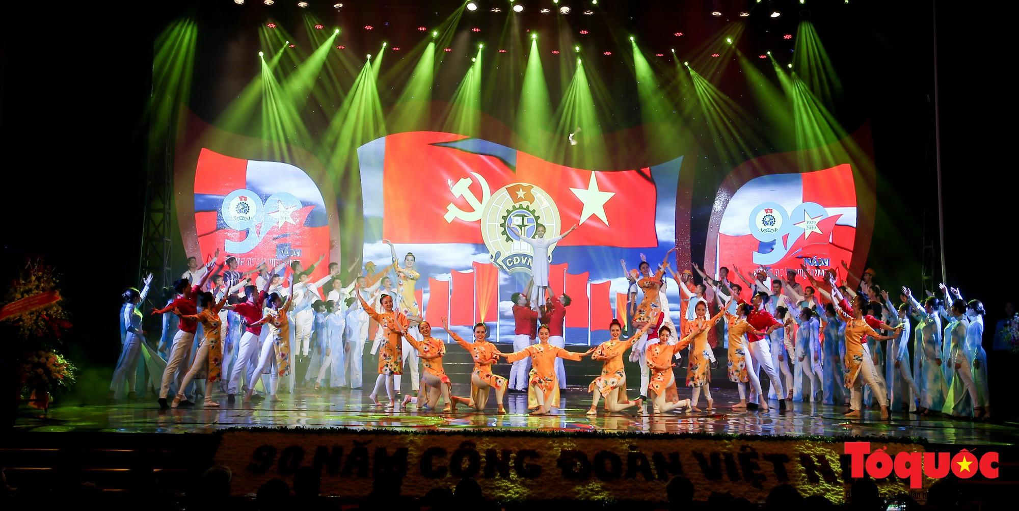 Long trọng Lễ kỷ niệm 90 năm Ngày thành lập Công đoàn Việt Nam (8)
