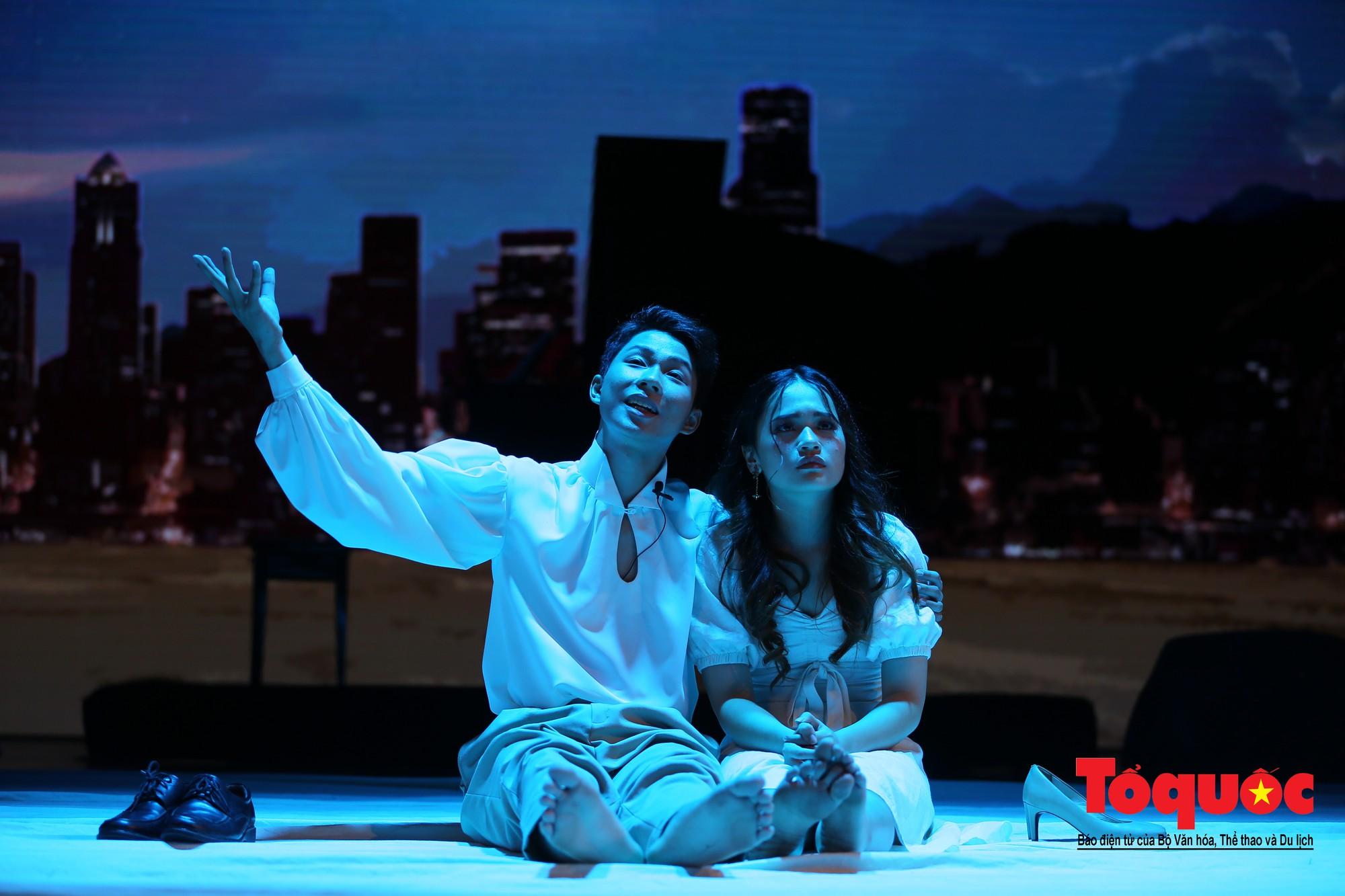 Đêm nhạc kịch ấn tượng của học sinh chuyên Hà Nội – Amsterdam13