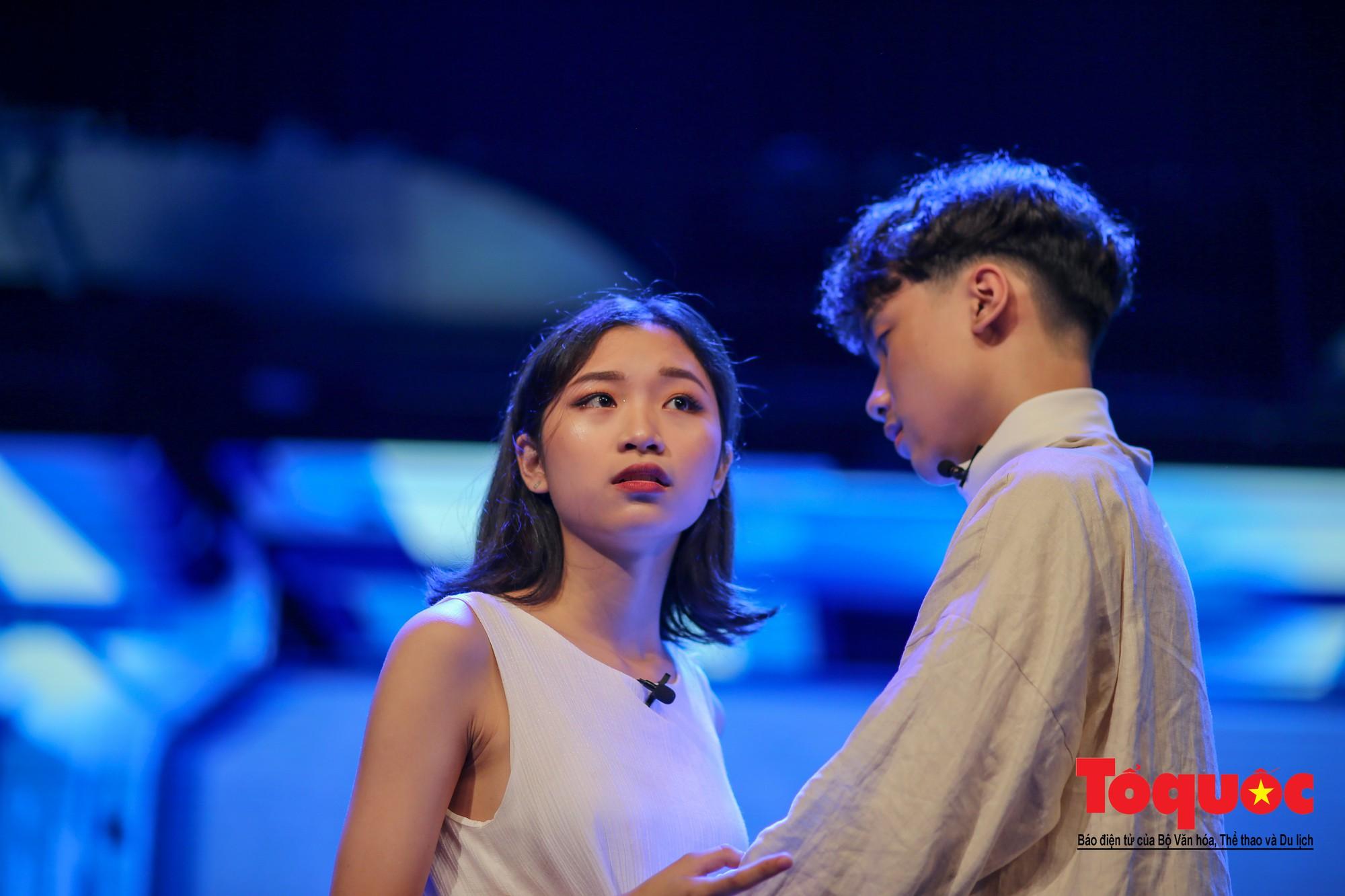 Đêm nhạc kịch ấn tượng của học sinh chuyên Hà Nội – Amsterdam3