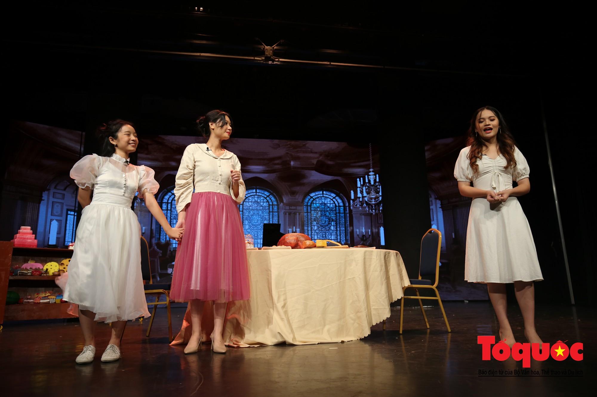 Đêm nhạc kịch ấn tượng của học sinh chuyên Hà Nội – Amsterdam8