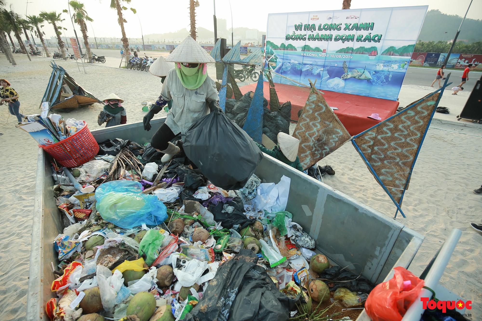Vì Hạ Long xanh, đồng hành dọn rác (33)