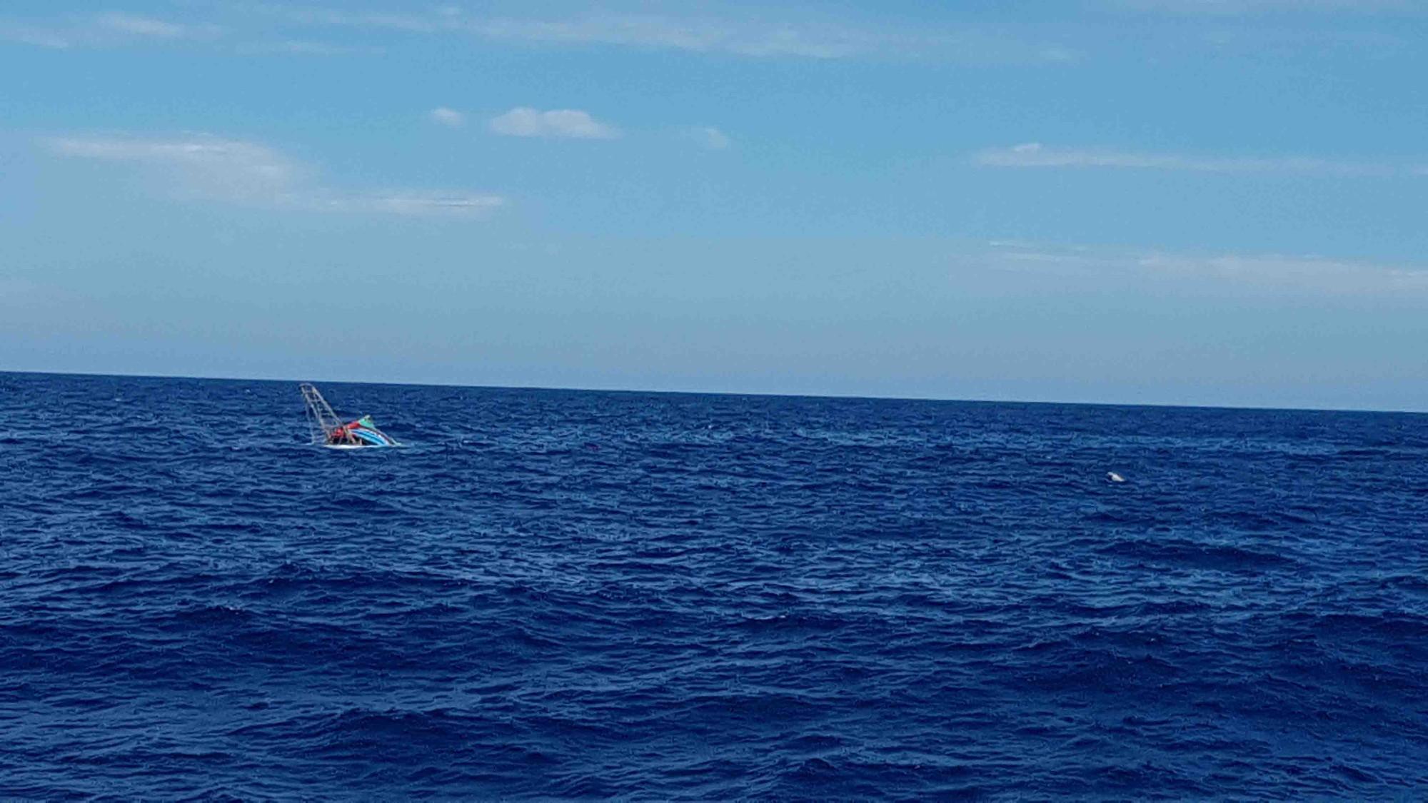 Tàu QB 93838 TS đã chìm hoàn toàn lúc 12h00 ngày 11