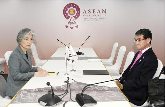 Ngoại trưởng Nhật-Hàn gặp nhau bên lề Hội nghị ASEAN không kết quả