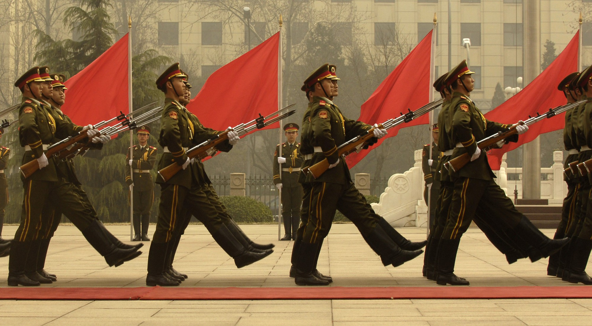 Chinese_honor_guard_in_column_070322-F-0193C-014
