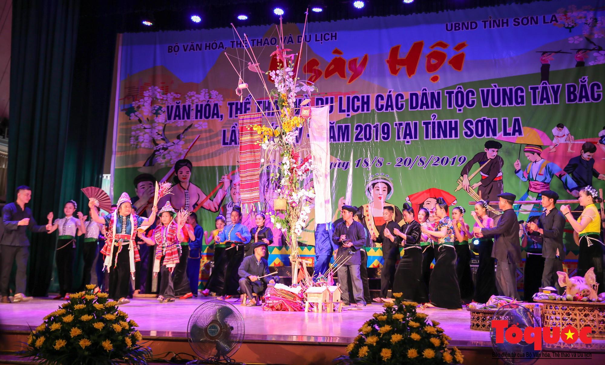 Ấn tượng Liên hoan Nghệ thuật quần chúng các dân tộc Tây Bắc (9)