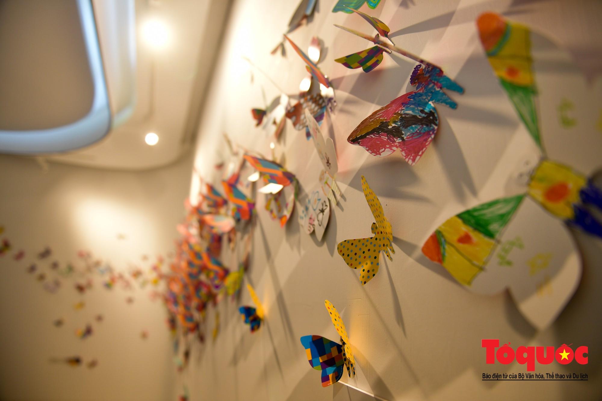 Hàng ngàn cánh bướm mang thông điệp hoà bình giữa lòng Hà Nội8