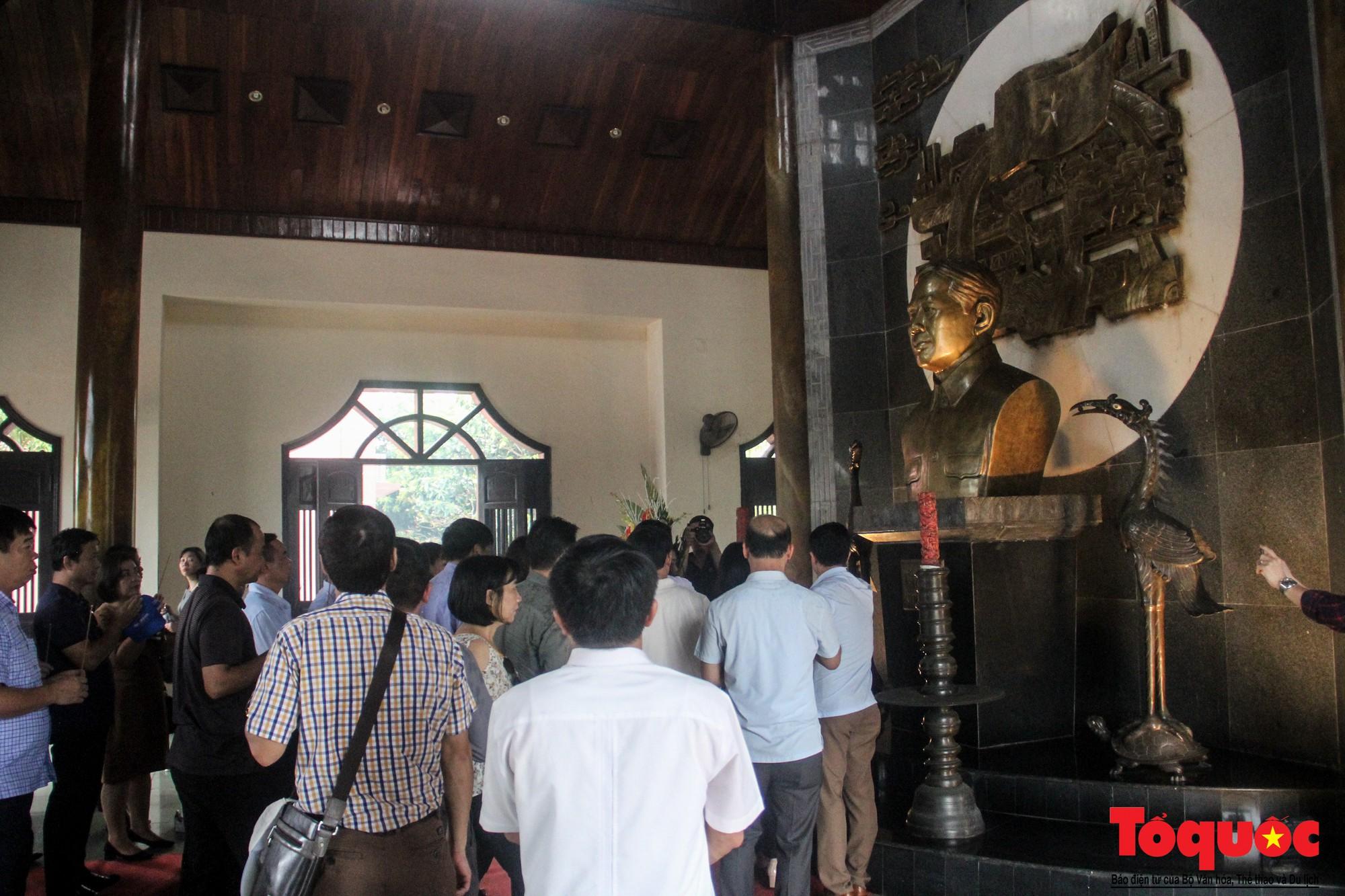 Đảng ủy Bộ VHTTDL dâng hương tại Thành Cổ Quảng Trị và Nhà lưu niệm cố Tổng Bí thư Lê Duẩn - Ảnh 11.
