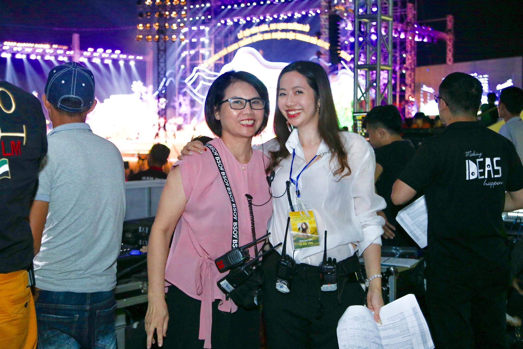 NSUT Huyền Thanh Trái và Tổng đạo diễn- đạo diễn Lê Hải Yến