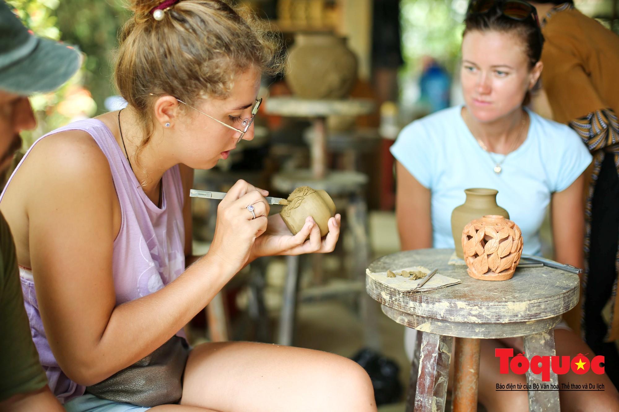 Vẻ đẹp trầm mặc của làng gốm gần nghìn năm tuổi bên dòng sông Thu Bồn24
