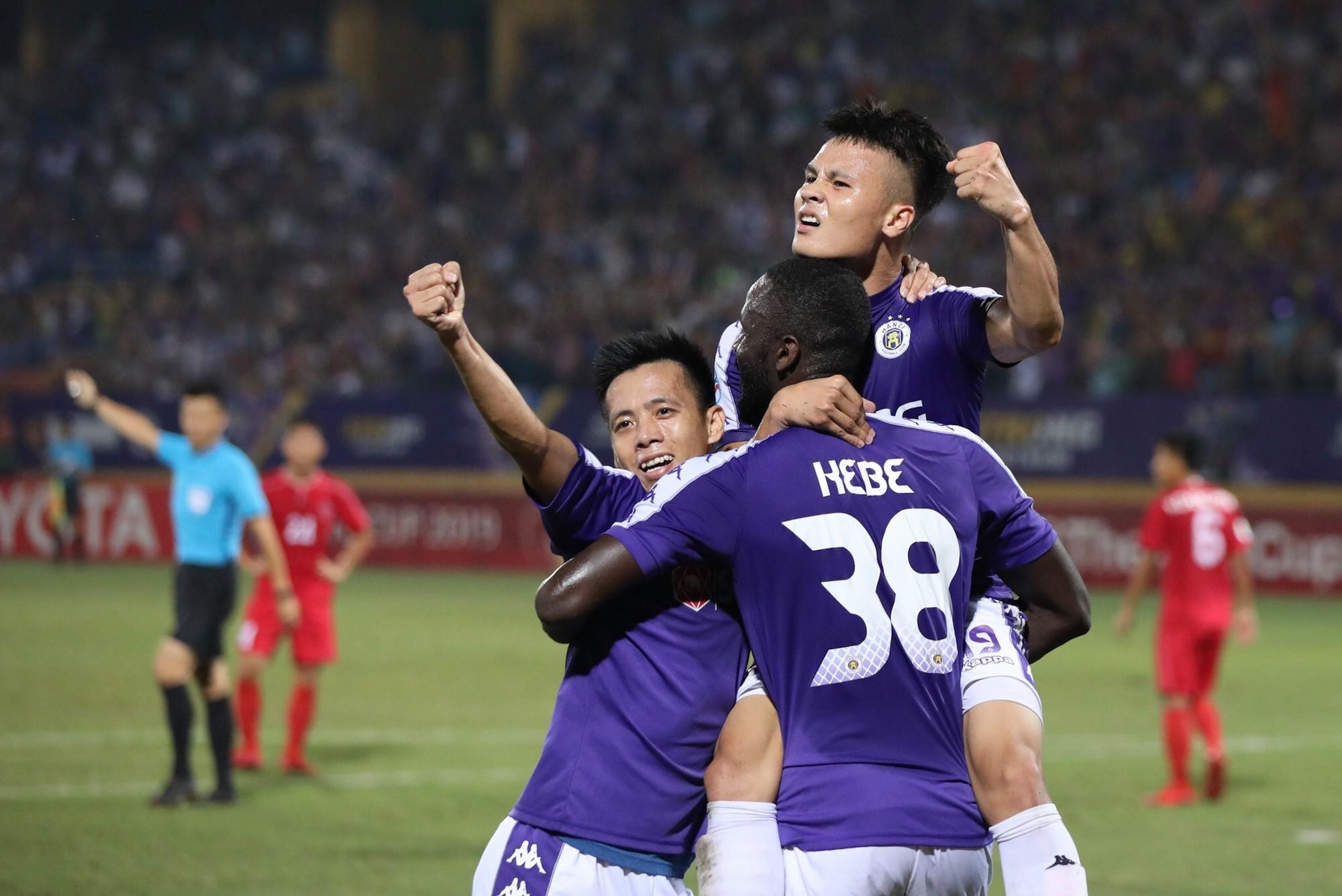 Hình ảnh: Hòa đáng tiếc, Hà Nội FC để vàng rơi cuối trận số 1