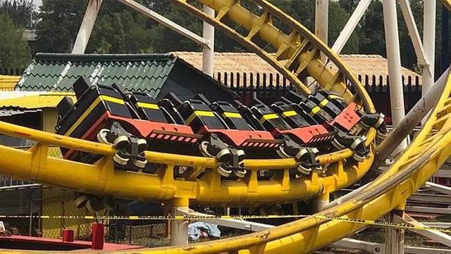 mexico-rollercoaster-derails-1569728208321665023302