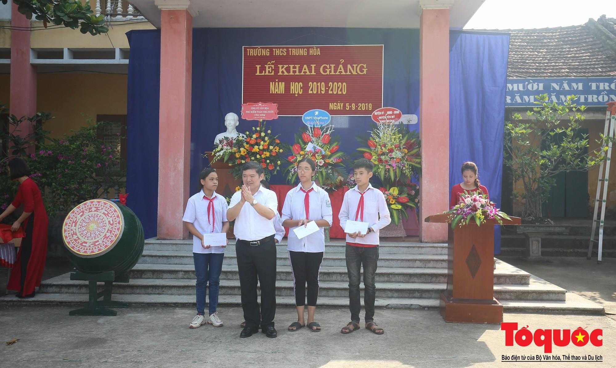 PTI trao tặng học bổng cho học sinh nghèo tại Hưng Yên (10)