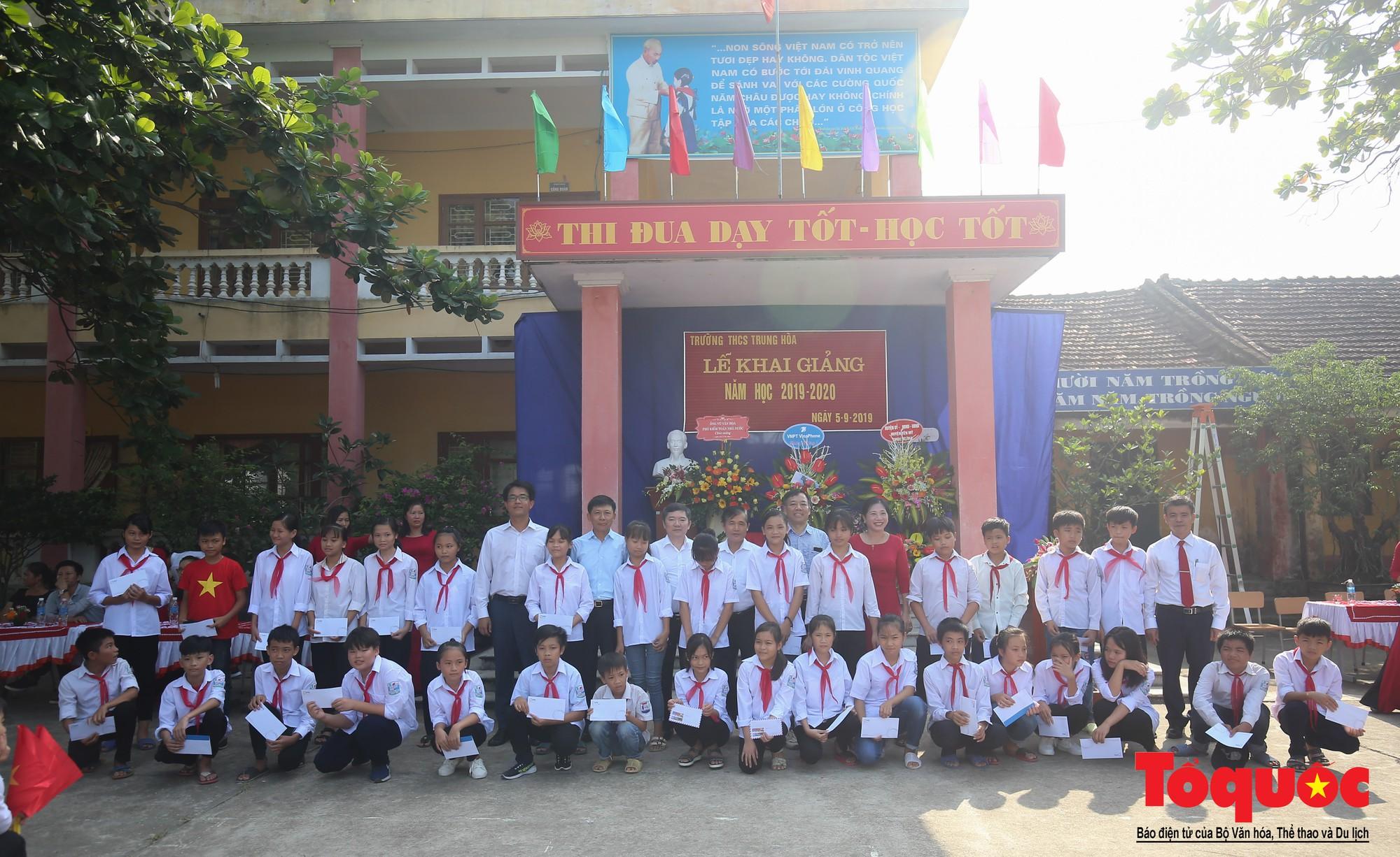 PTI trao tặng học bổng cho học sinh nghèo tại Hưng Yên (14)