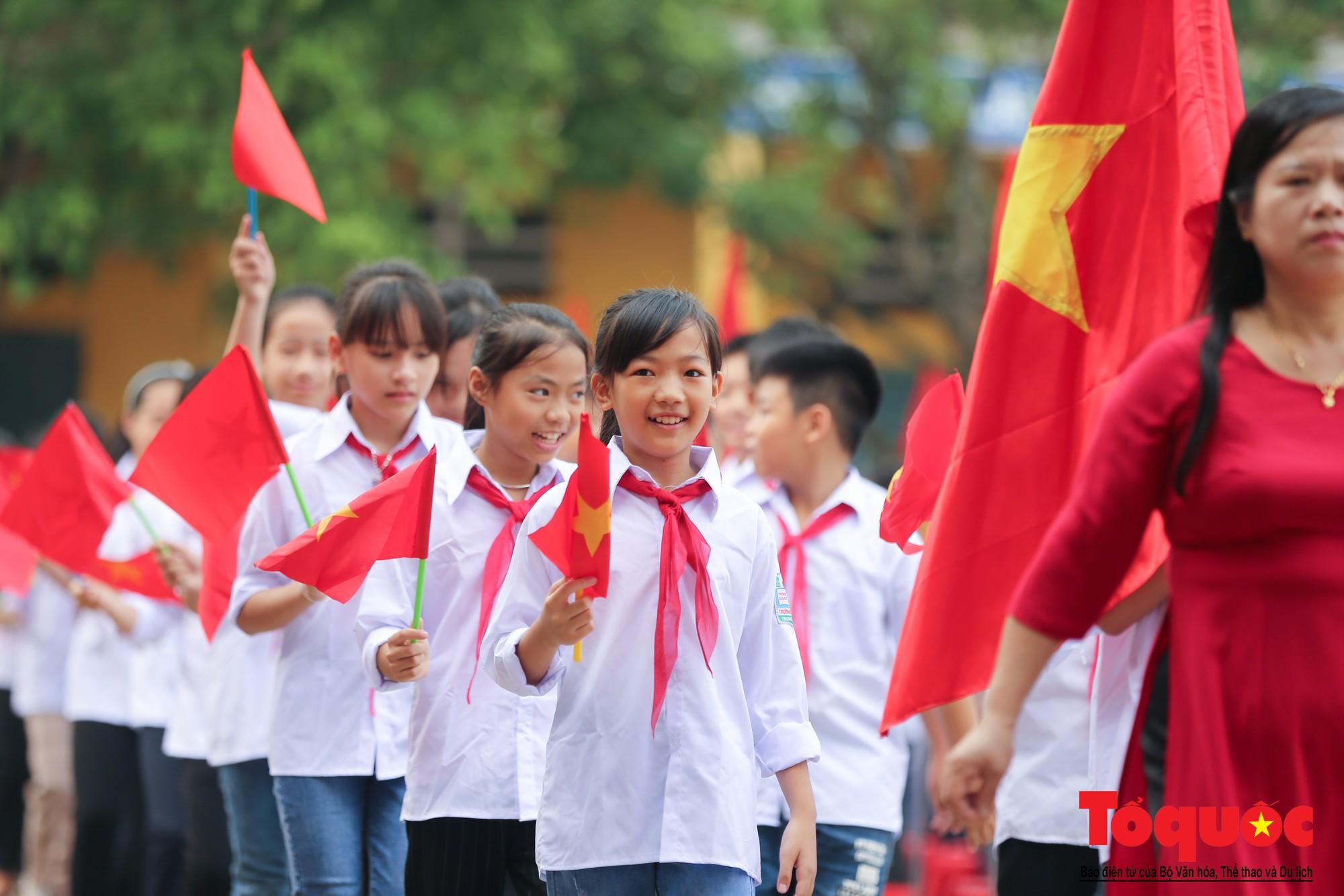 PTI trao tặng học bổng cho học sinh nghèo tại Hưng Yên (3)