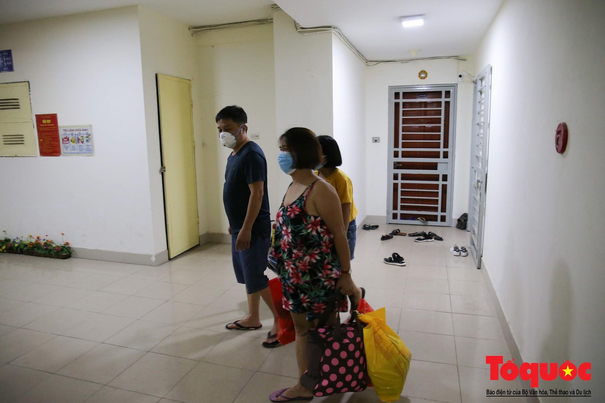 Cám cảnh có nhà mà không thể ở của người dân Hạ Định sau vụ cháy kho Rạng Đông (13)