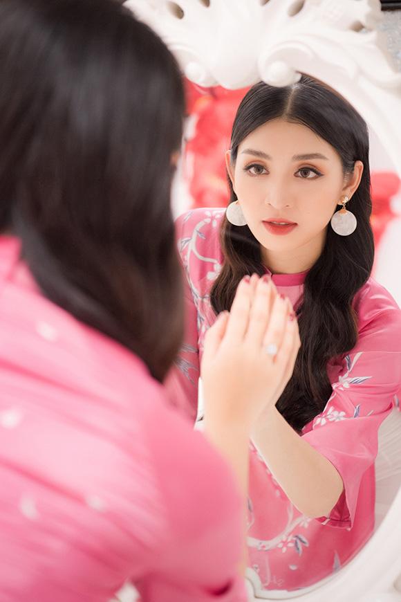"""Người đẹp Lê Thanh Tú bị """"mẹ dọa"""" nếu lấy chồng sớm  - Ảnh 13."""