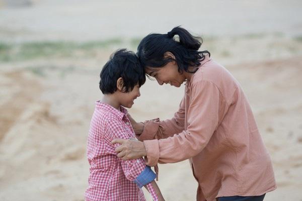 """Diễn viên phim """"Hạnh phúc của mẹ"""" giành giải diễn viên nhí xuất sắc nhất Liên hoan Phim châu Á - Thái Bình Dương lần thứ 59  - Ảnh 2."""