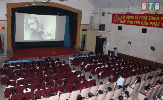 Tổ chức Đợt phim Kỷ niệm 90 năm Ngày thành lập Đảng Cộng sản Việt Nam (3/2/1930-3/2/2020) và mừng Xuân Canh Tý 2020 - Ảnh 1.