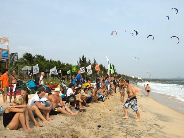 Bình Thuận đón trên 6,4 triệu lượt khách trong năm 2019 - Ảnh 1.