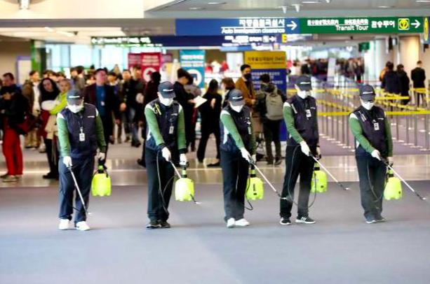 Giữa sợ hãi bùng phát dịch virus lạ từ Trung Quốc, Đài Loan có phát ngôn bất ngờ - Ảnh 1.