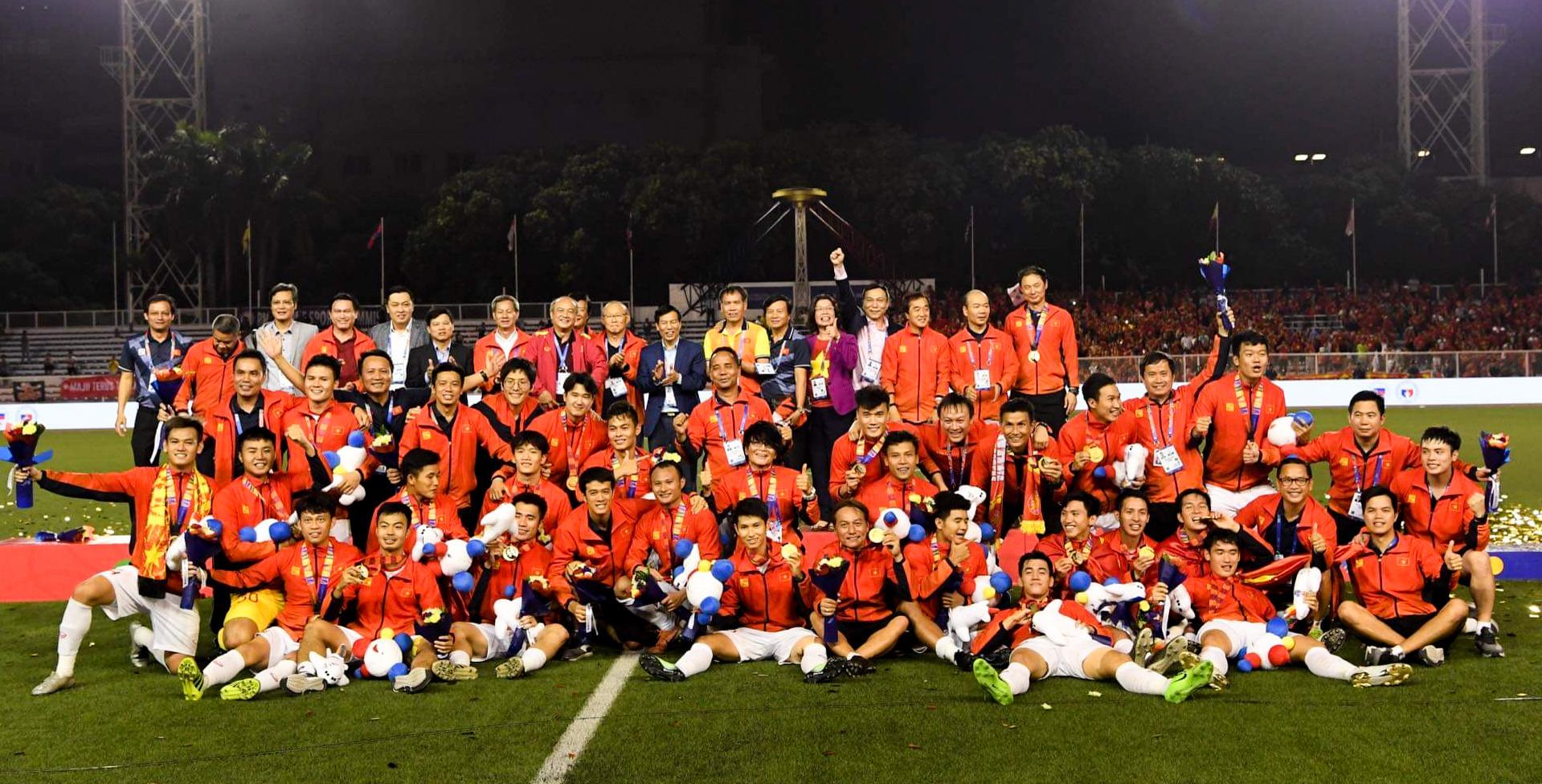 Thứ trưởng Bộ VHTTDL, Chủ tịch Liên đoàn Bóng đá Việt Nam Lê Khánh Hải: Các cầu thủ đã thể hiện được khát vọng, ý chí, tinh thần Việt Nam - Ảnh 3.
