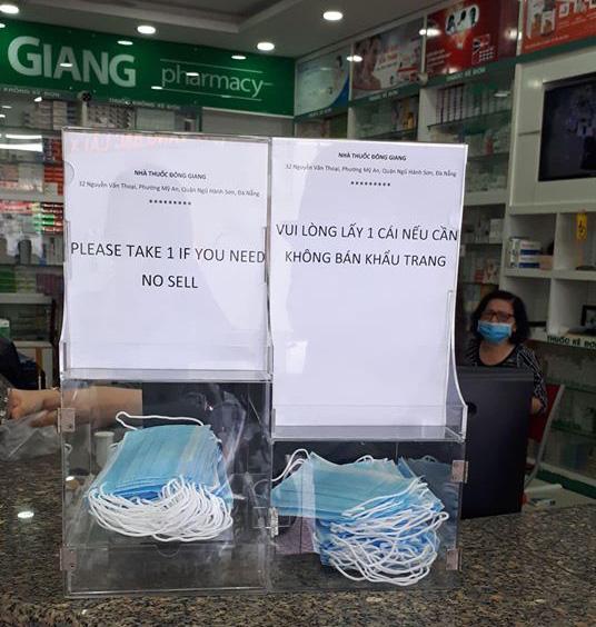 """Giữa """"bão giá"""" khẩu trang, đại diện một nhà thuốc ở Đà Nẵng có chia sẻ ấm lòng - Ảnh 1."""